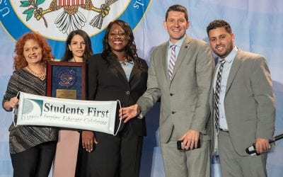Lindbergh receives Blue Ribbon Award during ceremony in D.C.